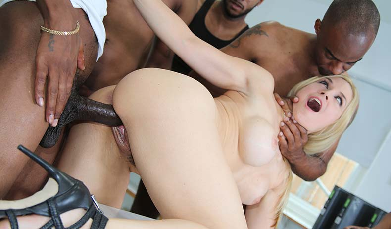 Sarah Vandella (Blacks On Blondes)