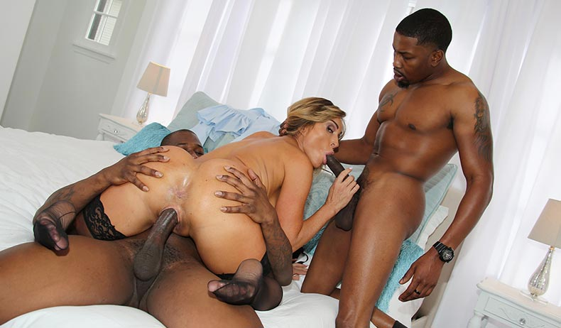 Aubrey Black (Blacks On Cougars)