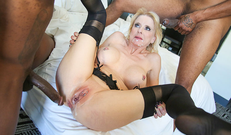 Milf blonde on blacks