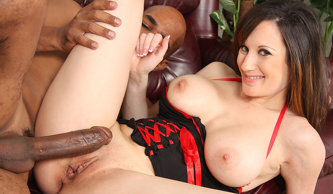 Stephanie Wylde interracial sex video from Blacks On Cougars