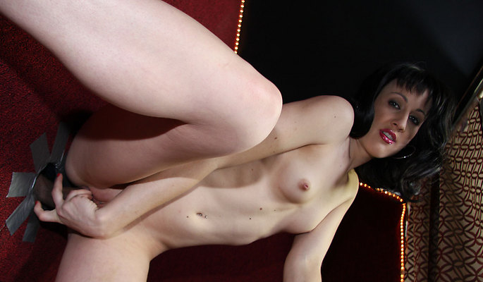 Dylan Ryan amateur girls video from Glory Hole